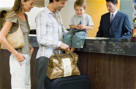 Hotel Front Desk Responsibilities Difference Between A Concierge And Front Desk Staff