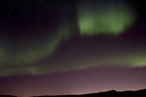 airbnb iceland northern lights tips to enjoy northern lights in reykjavik iceland trip101