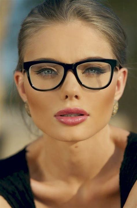 Hairstyles For Women With Large Heads Glasses | 1000 ideas about round face hairstyles on pinterest