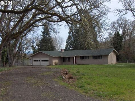 925 charter oaks dr roseburg oregon 97471 foreclosed