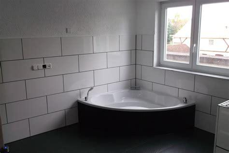 Badezimmer Fliesen Platzen by Fliesen Schneiden