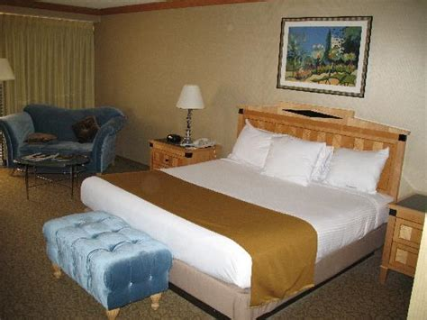 ballys hotel rooms the king size room in the tower picture of bally s las vegas las vegas tripadvisor