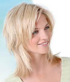haarschnitt lange haare ovales gesicht frisur mittellang gestuft