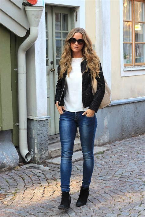 skinny jeans boots on pinterest nautical womens skinny jeans ankle boots and black jacket fashionista
