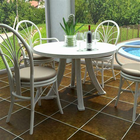 Exceptionnel Fauteuils De Table A Manger #1: Table-ronde-110-cm-en-rotin.jpg