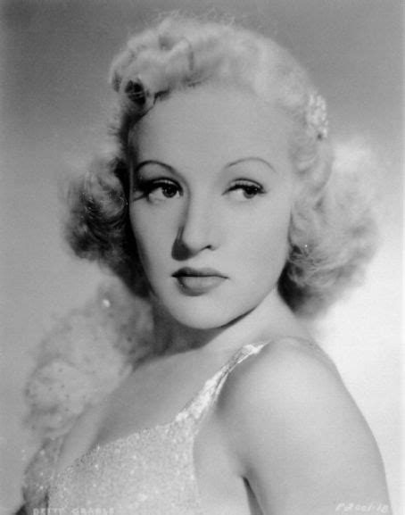 Who is Betty Grable dating? Betty Grable boyfriend, husband