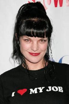 ncis star pauley perrette married in valentines day wedding dvdtheefun quot ncis quot star pauley perrette s wedding