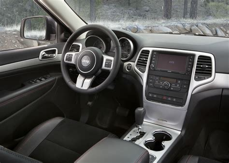 grey jeep grand cherokee interior introducing the 2013 jeep 174 grand cherokee trailhawk the