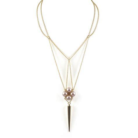 02 cool necklace fan trend alert 7 modern ways to wear pearl jewelry cool