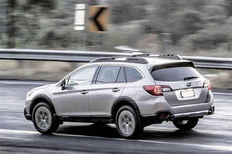Subaru Outback 2019 Vs 2020 by 2019 Subaru Outback Ground Clearance Vs Forester Cost Of