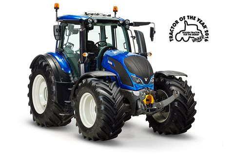the new year cab valtra wins 180 golden tractor for the design 2016 180 award at