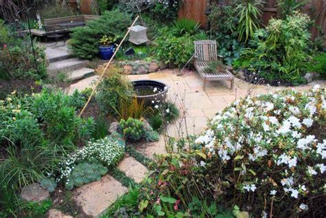lawn free backyard turf wars city brights peter gleick