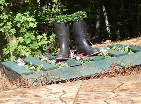 Garden And Yard Decor 11 Diy Ideas To Recycle Wood Pallets For Garden Decorations And Outdoor Furniture