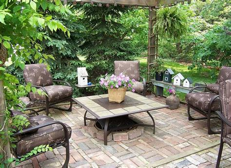 22 small backyard ideas and beautiful outdoor rooms