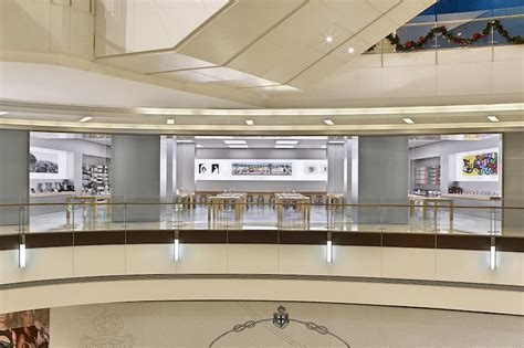 apple zhengzhou apple retail chief angela ahrendts talks expansion in