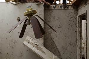How To Fix A Broken Ceiling Fan Ceiling Fans With Lights For Ventilation And Illumination