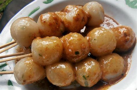 cara membuat cilok bumbu kacang pedas 9 resep cemilan resep spesial enak dan mudah
