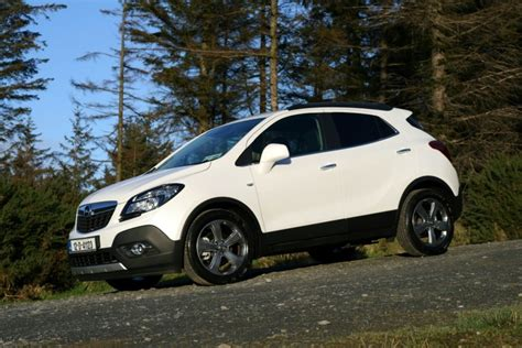 opel jeep opel mokka 1 4 turbo 4x4 review carzone car review