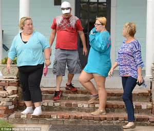 mama june did buy a car for the man who molested her mama june goes house hunting in georgia days after sugar