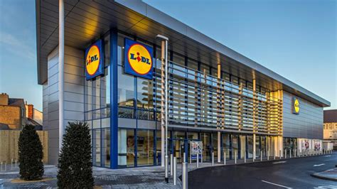 lidl ups competition as it plans to open 60 additional stores