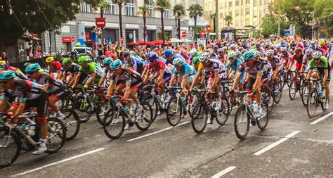 la vuelta a europa 8492663618 file stage 21 of the vuelta a espa 241 a 2013 in madrid spain september 15 2013 jpg wikimedia