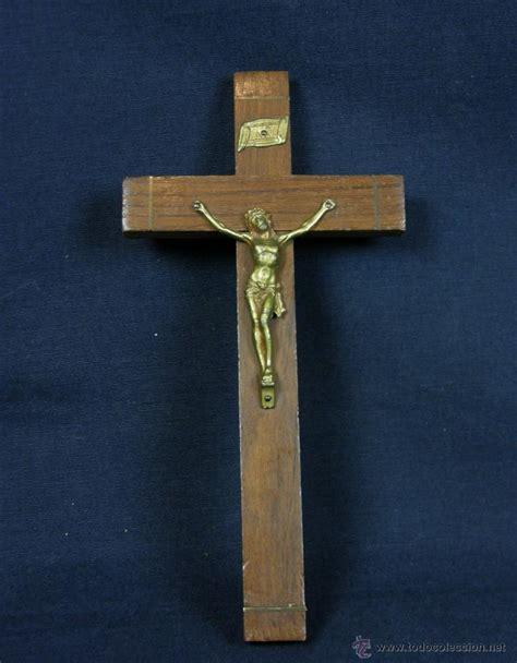 imagenes de cruces latinas cruz latina de madera con cristo crucificado en comprar