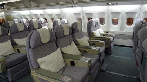 emirates airlines review business class travel etihad v emirates insideflyer uk