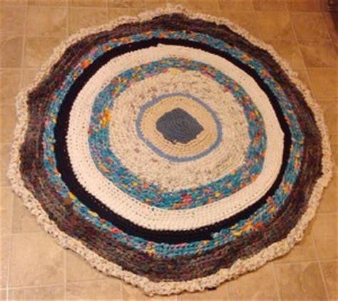 how to make beautiful rugs out of clothes the