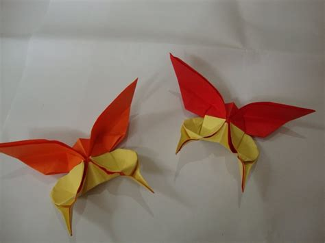 How To Make Paper Butterfly Wings - how to make a paper butterfly