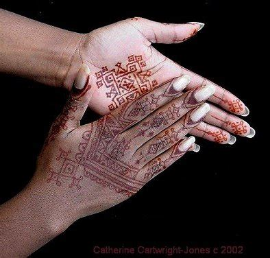 henna tattoo on black skin the henna page how to do henna on skin