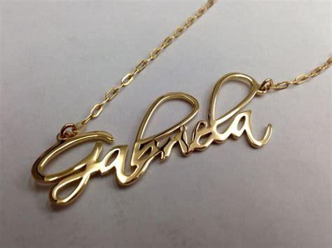 cadenas con nombres personalizados nombres personalizados con cadena y ba 241 o de oro 350 00