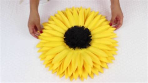 How To Make Sunflower Paper Flowers - best 25 paper sunflowers ideas on tissue