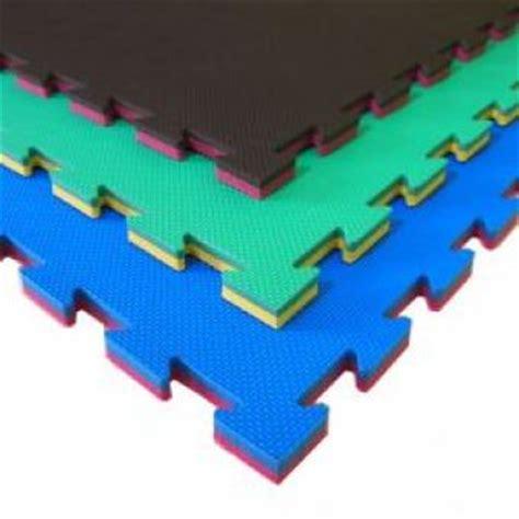 tappeti antitrauma per bambini pavimentazione antitrauma di sicurezza in gomma per parchi