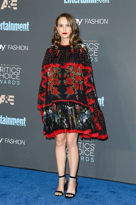 Natalie Portman Is Fashionable by Natalie Portman S Carpet Style Through The Years