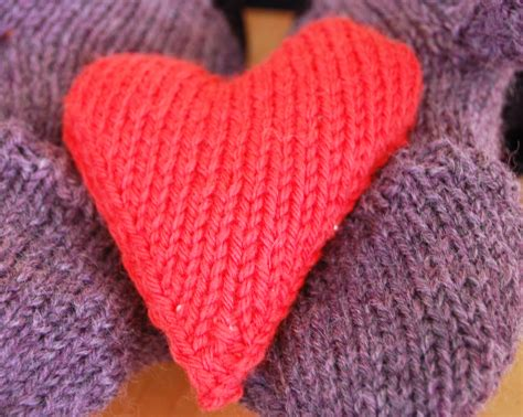 how to knit a pocket how to knit a shaped pocket warmer ehow