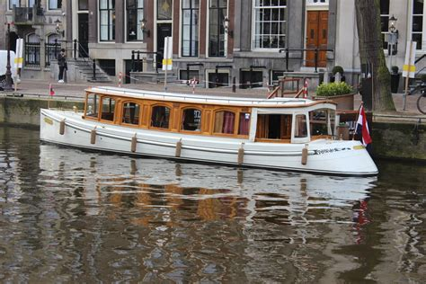 boat hire amsterdam prices canal boats amsterdam canal boats for rent