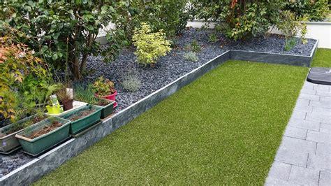 Supérieur Idee De Massif De Jardin #1: Paillage-en-ardoises-decoratives-par-cote-deco-pour-idee-de-bordure-pour-massif.jpg