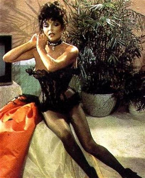 joan collins hot foto dazzling divas joan collins