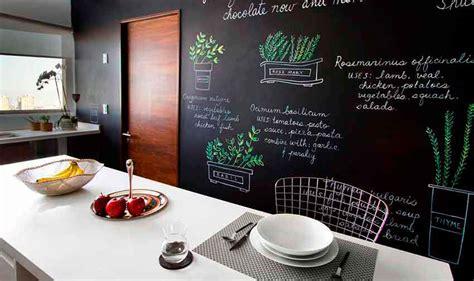 decorar una pared de cocina decorar cocina pintura pizarra pared