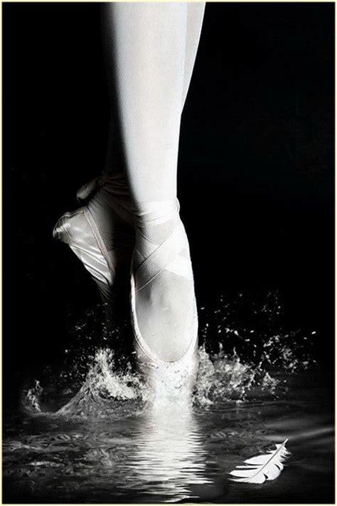 1325171034 ballerine photos de cours swan lake danse pinterest ballet ballerine et danse