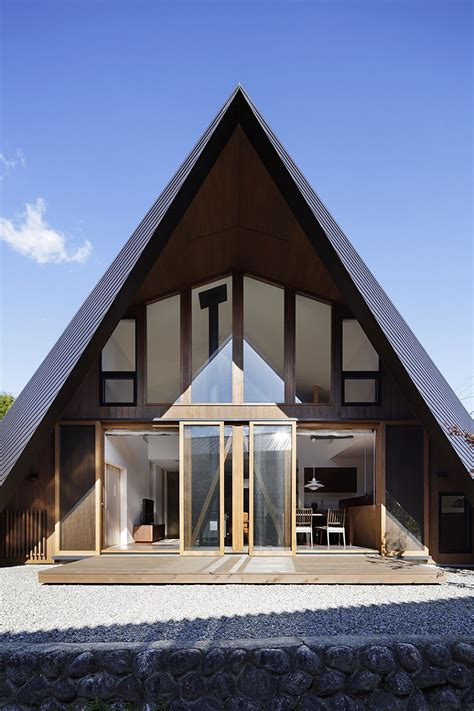 Japanese Minimalist creative origami house in japan combines a distinct
