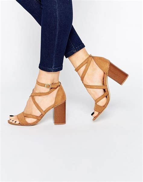 zapatos de moda en macys las 25 mejores ideas sobre sandalias tacon ancho en