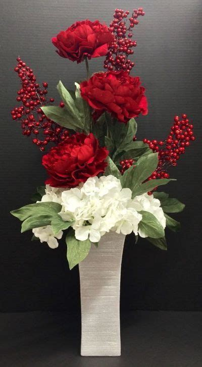 How To Arrange Flowers In Vase by Best 25 Floral Arrangements Ideas On