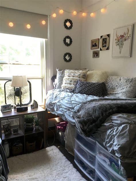 dorm wallpaper 9173 best dorm room trends images on pinterest bedroom