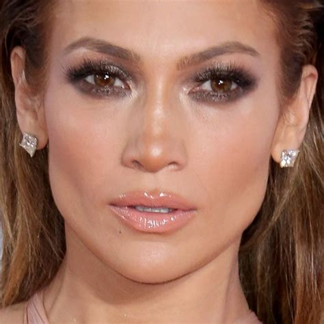 what lipstick and gloss does jennifer lopez wear what makeup does jennifer lopez wear jennifer lopez makeup