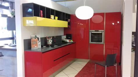 cucine moderne bianche e rosse cucine moderne bianche e rosse idee di cucine moderne con
