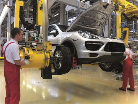 Auto Lackieren Bratislava by Porsche Verlegt Teil Der Cayenne Produktion Nach Osnabr 252 Ck