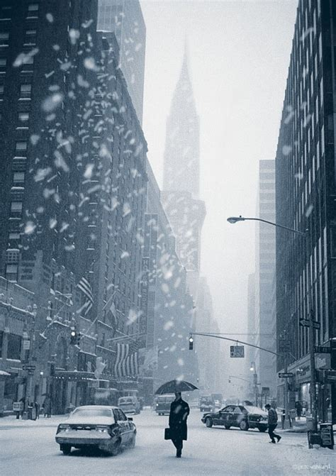 the epic city the world on the streets of calcutta books epic pictures of new york city in winter the tourist