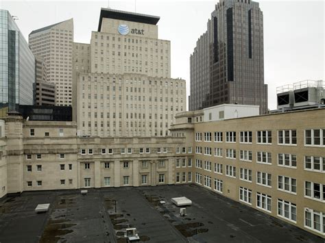 built from indiana limestone the quot t quot shaped lynnewood file roof birch bayh federal building indianapolis