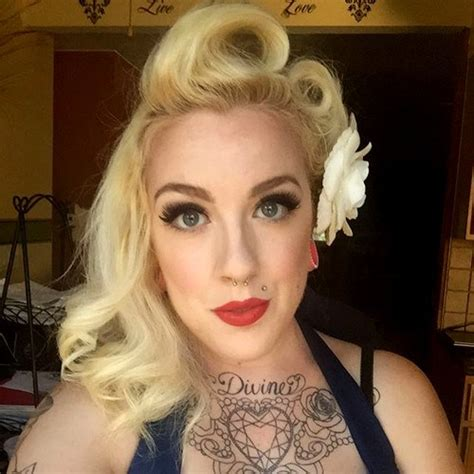 Victory Roll Hairstyle by 40 Pin Up Hairstyles For The Vintage Loving